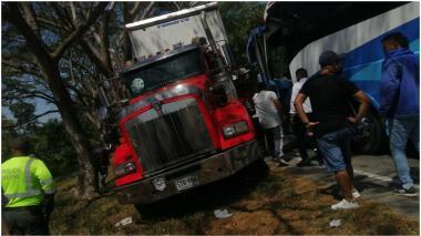 Accidente en la vía Fundación-Bosconia