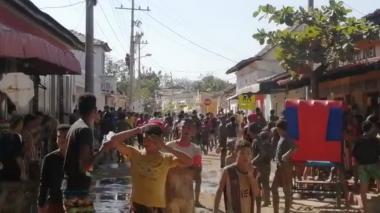 Imponen comparendos en Puerto por desórdenes en 'moja-moja'