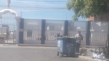 Encuentran una bebé muerta dentro de un contenedor de basura