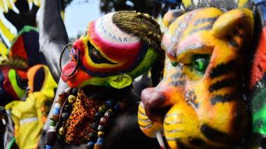 El Carnaval de la 44 pasa de vivirse en pleno bordillo a la virtualidad
