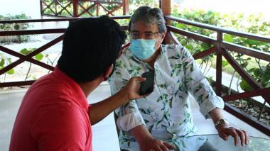 """""""El mar me carga de energías"""": el descanso de Holmes en Santa Marta"""