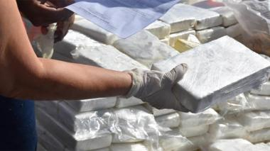 Incautan en el Caribe cuatro toneladas de cocaína en embarcación venezolana