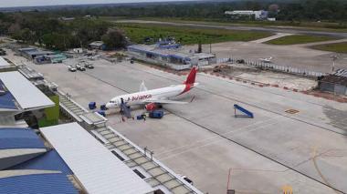 Gobierno suspende vuelos desde y hacia Leticia por nueva cepa de covid