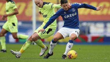 El Everton de James cede ante el Newcastle