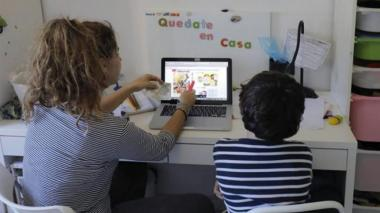 Virtualidad, un desafío para padres y docentes