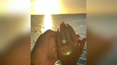 """Natti Natasha acepta la propuesta de matrimonio de """"Raphy"""" Pina"""