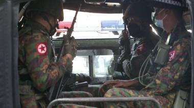 Gobierno militar birmano ordena bloquear Facebook