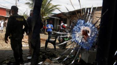 Choques armados provocan desplazamientos y protestas en Buenaventura
