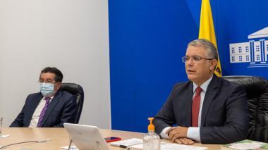 Duque no quiere ser el primer vacunado en Colombia, Minsalud lo contradice