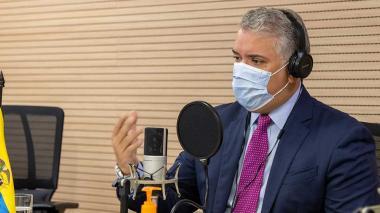 """""""Personas que no están afiliadas a ninguna EPS sí se vacunan"""": Duque"""