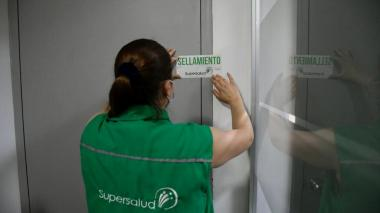 Tras liquidación de Ambuq, Distrito garantiza vacunación covid a afiliados