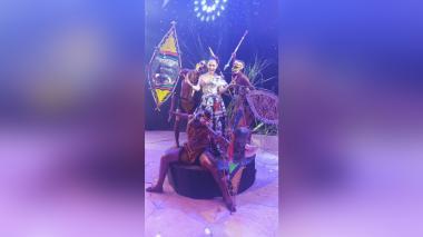 Llegó la noche para ver el Gran Concierto del Carnaval de la 44