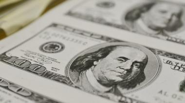 El dólar opera a la baja este jueves en Colombia