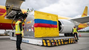 Llegan a Colombia 50.000 dosis de la vacuna contra la covid de Pfizer