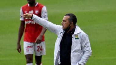 Guillermo Sanguinetti, primer técnico que cae en la Liga I-2021