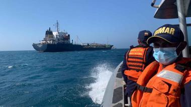 Nueve casos de covid-19 en tripulantes de barco abandonado en Santa Marta