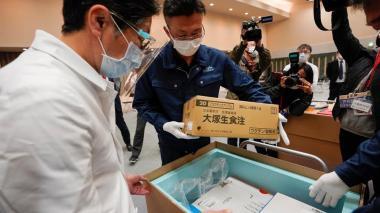 Japón inicia su vacunación contra la covid