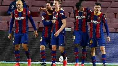 Messi desatasca al Barcelona y aprieta la Liga