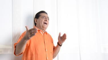 Jorge Oñate, de 71 años, cantante de música vallenata.