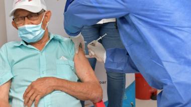 Con 24 adultos mayores arrancó vacunación en Valledupar