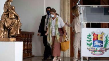 La embajadora de la UE abandona Venezuela tras ser expulsada por Maduro