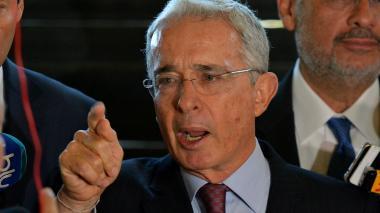 Uribe desiste de tutela contra su imputación