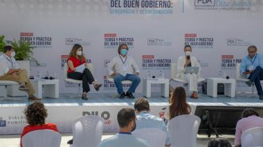 Las puyas y los guiños de los presidenciables en Barranquilla