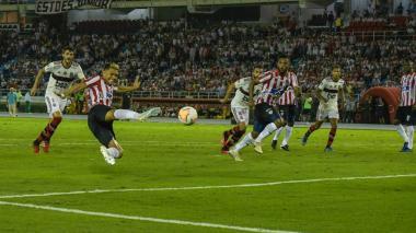 Un año, 19 partidos y 27 gritos de gol de Junior sin público en casa
