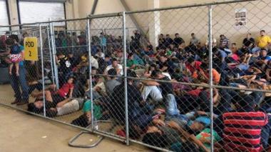 EE. UU. confirma que acabará con detenciones prolongadas de migrantes