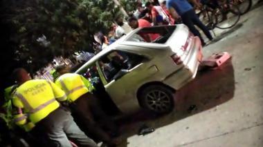 Menor de 17 años era quien manejaba carro que atropelló a dos personas