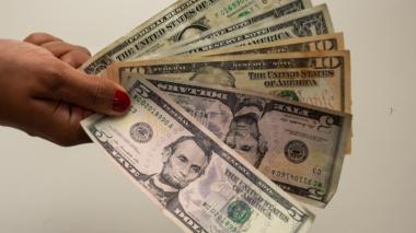 La cotización del dólar inicia la semana con leve alza