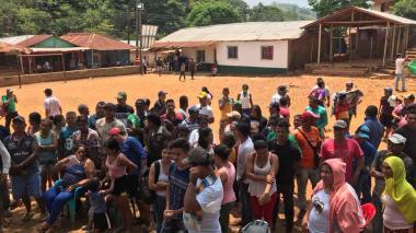 Instalan campamento humanitario para familias mineras en Puerto Libertador