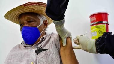 Colombia llega a 913 mil vacunas de covid aplicadas