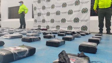 Incautan 90 kilogramos de clorhidrato de cocaína en zona rural de Riohacha