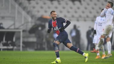 Neymar regresa con el PSG cinco semanas después