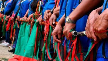 Indígenas colombianos lloran los muertos colaterales de un conflicto perenne