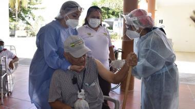Por datos desactualizados se dificulta vacunación en Córdoba