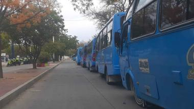 Conductores de buses realizan paro indefinido en Santa Marta