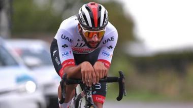 Dura caída de Fernando Gaviria en carrera de Bélgica