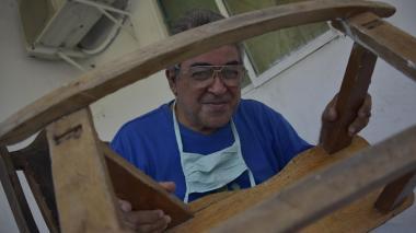 El músico que hizo de la carpintería su llave maestra en pandemia
