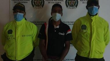 Se fuga hijastro de mujer asesinada en Santo Tomás