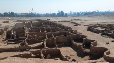En Egipto encuentran una ciudad perdida bajo la arena de 3.000 años