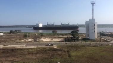 Autorizan ingreso de barco en cuarentena de las Islas Marshall