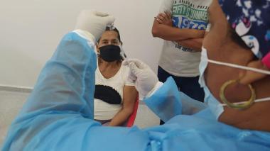 Soledad también comienza vacunación a mayores de 65 años