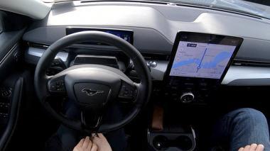 Pelea en Twitter entre Ford y Tesla