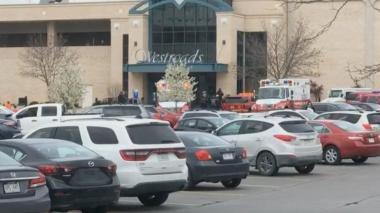 Nuevo tiroteo en EE. UU.: dos heridos en un centro comercial de Nebraska