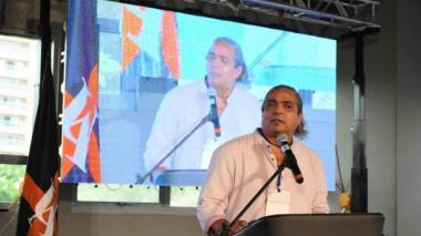 Gobernación rinde homenaje póstumo a docente de UA