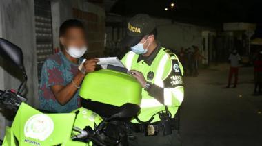 68 comparendos y 12 capturas durante toque de queda y ley seca en Barranquilla