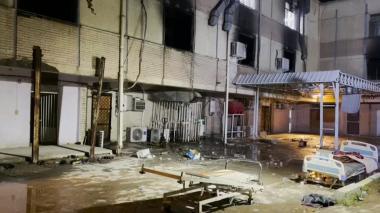 Aumenta a 82 los fallecidos en la explosión en hospital de covid-19 de Bagdad