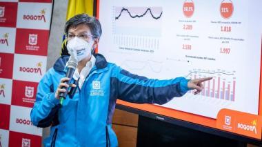 Bogotá declara alerta roja general y aprieta medidas contra ola de covid-19